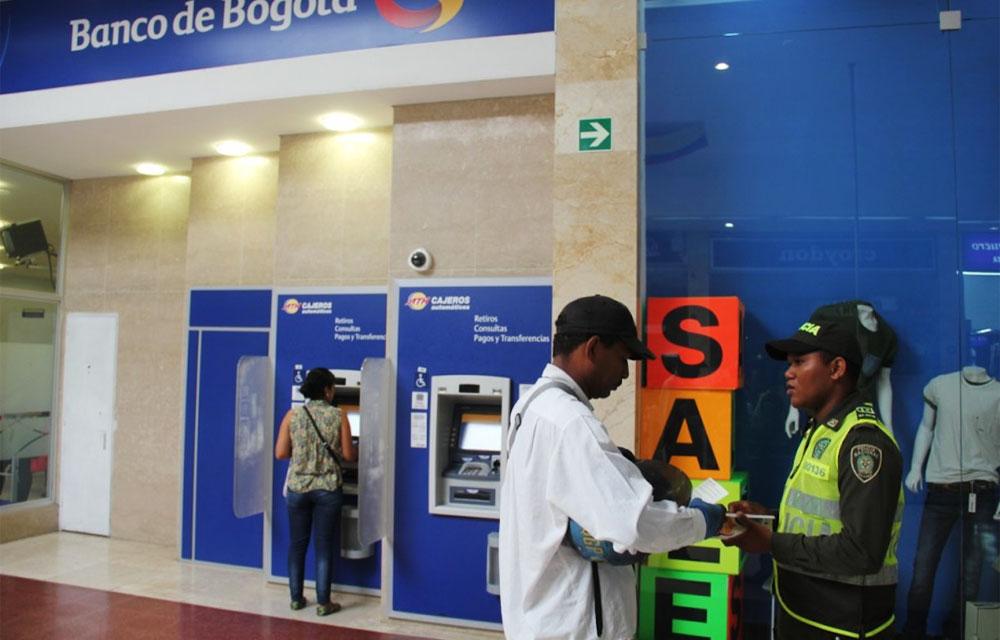 Oficinas banco caja social barranquilla horario extendido for Banco pastor oficinas barcelona