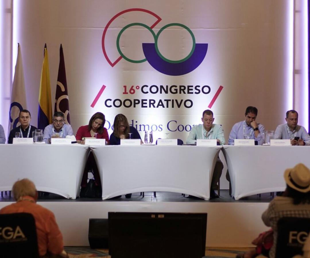 Resultado de imagen para congreso cooperativo confecoop colombia