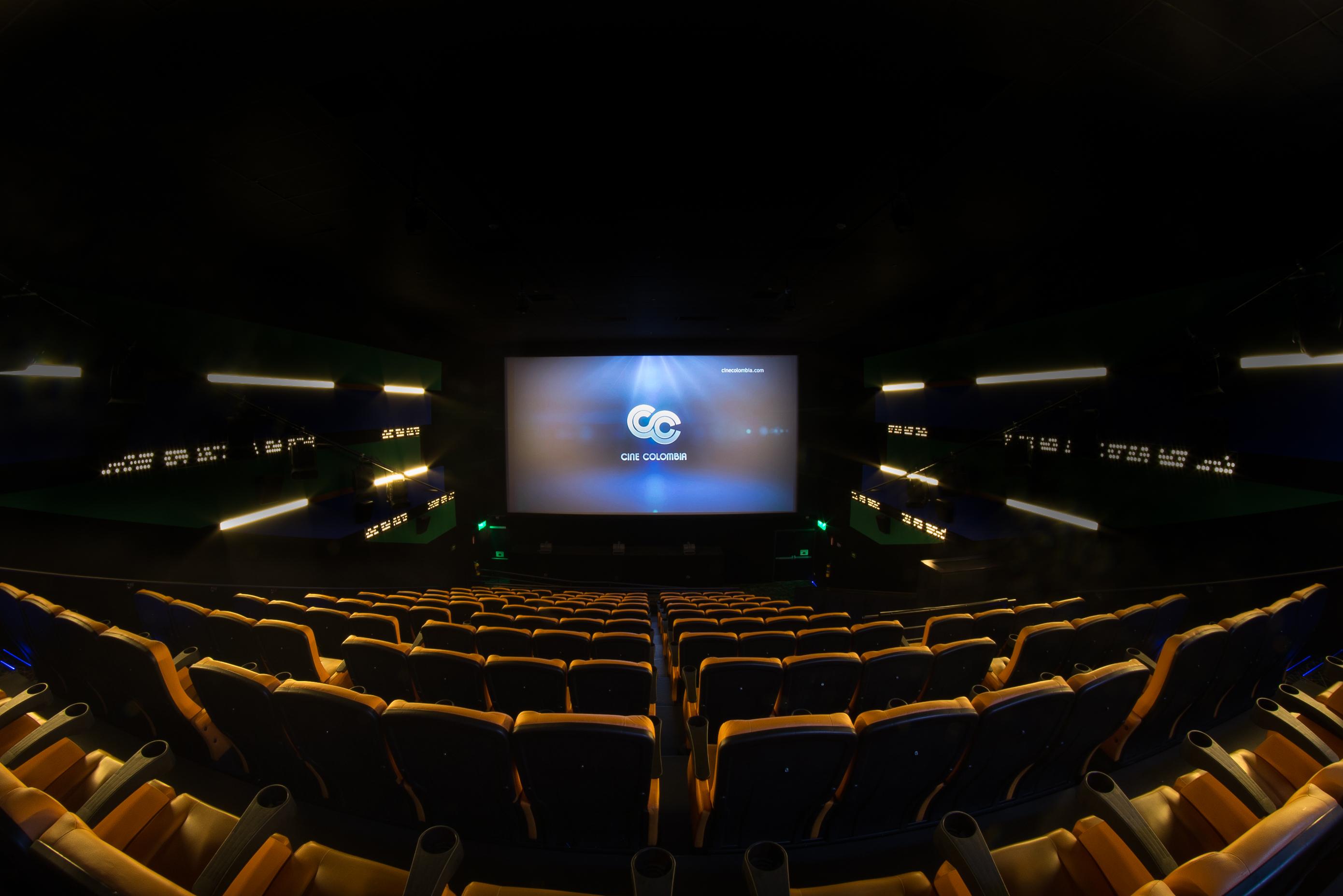 Los servicios de lujo que ofrecen las salas de cine - Fotos de salas de cine ...