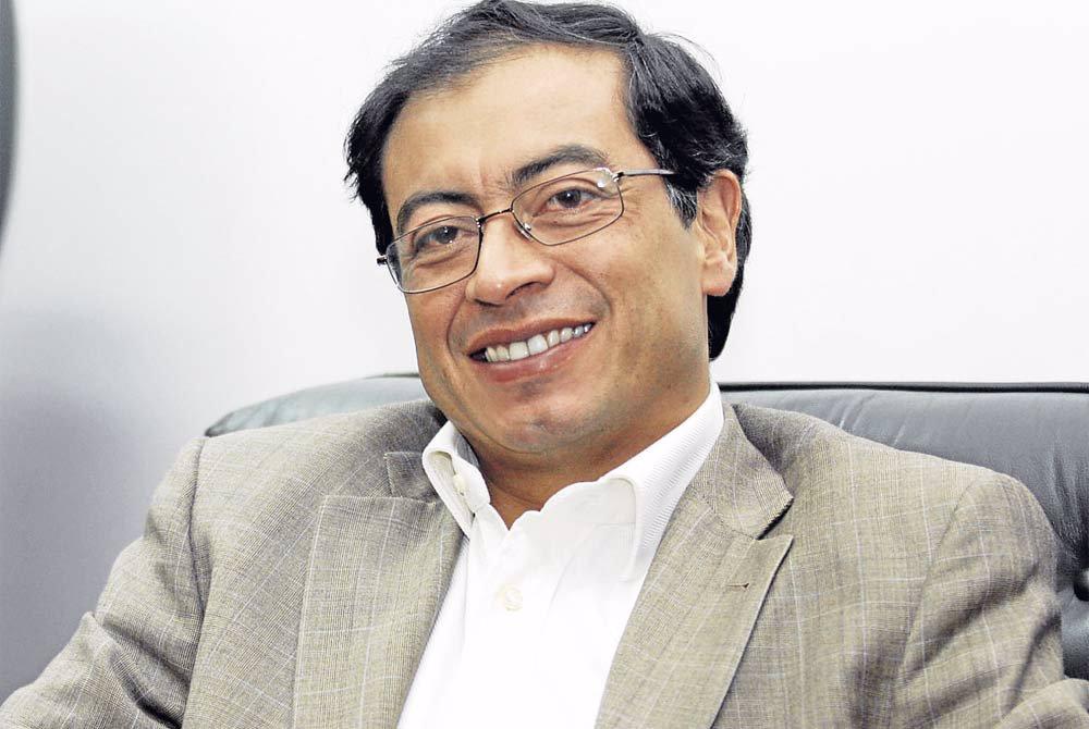 Petro se reúne con empresarios para hablar sobre modernización tributaria