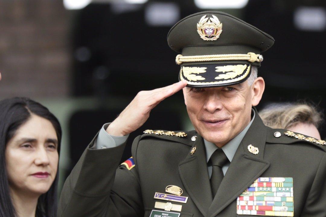 El general Óscar Atehortúa dejará su puesto como director de la Policía  Nacional