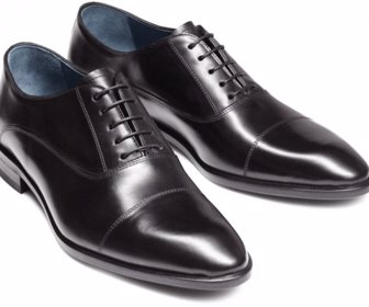 6b15fa3a78c Cinco tipos de zapatos que todo hombre debe tener en su armario