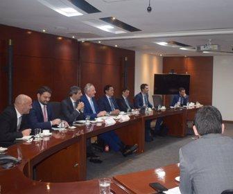 da9da53d1 Bolsa de Valores de Colombia estrecha vínculos con Distrito Financiero de  Londres