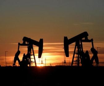 Por qué el petróleo de referencia WTI cuesta US por barril ahora pero mucho más en otoño