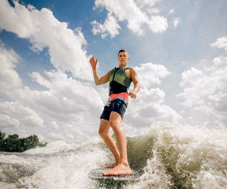 Palomino, Nuquí y Puerto Colombia están entre los lugares ideales para surfear - La República